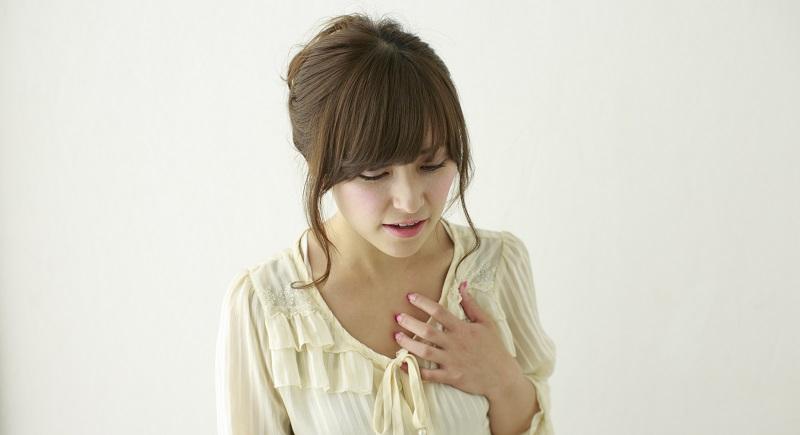 息苦しさに苦しむ女性